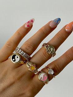 Nail Jewelry, Trendy Jewelry, Cute Jewelry, Jewelry Rings, Luxury Jewelry, Jewelry Accessories, Fashion Jewelry, Nail Design Glitter, Nail Design Spring