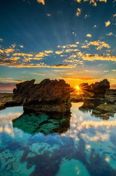 The Crags - Port Fairy, Victoria, Australia Wonderful Places In The World Places To Travel, Places To See, Travel Destinations, Places Around The World, Around The Worlds, Beautiful World, Beautiful Places, Beautiful Sunset, Beautiful Scenery