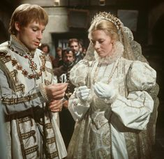 Mary Queen of Scots on film: Actresses from Katharine Hepburn to Saoirse Ronan - Mirror Online Camille Rutherford, Tudor Series, Glenda Jackson, Samantha Morton, Elizabeth Woodville, Queen Images, Vanessa Redgrave, Timothy Dalton, Mary Queen Of Scots