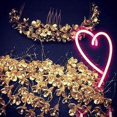 E L E N A SSSS #enproceso #cuandollegandedosendos #porcelana #flores 🌺🌺#nohaydosiguales #millinery #boda #novias2018 #novia 👰🏻