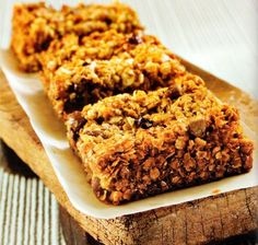 Chocolate and Ginger Flapjack Recipe - http://www.allbakingrecipes.com/recipes/chocolate-and-ginger-flapjack-recipe/