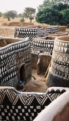 Painted dwellings in a Gurunsi village Ghana Travel Honeymoon Backpack Backpacking Vacation Budget Bucket List Wanderlust Out Of Africa, West Africa, South Africa, Places To Travel, Places To See, Places Around The World, Around The Worlds, Beautiful World, Beautiful Places