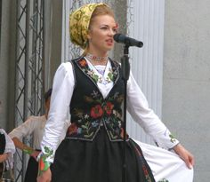 Romanian traditional costumes Part 1 Port national – Romania Dacia Romanian People, Romanian Women, City People, Eastern Europe, Traditional Dresses, Women Wear, Product Launch, Costumes, How To Wear