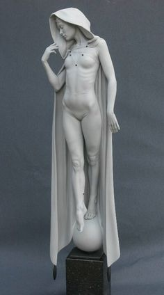Talbot Michael 1953 #sculpture #statue #cloak See more on http://3dlogicus.com                                                                                                                                                                                 Más