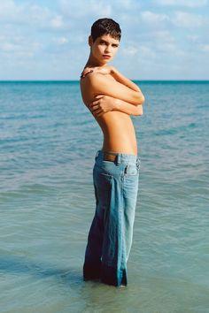 I love winter clothes Great combo Pixie Geldof by Alasdair McLellan for Vogue UK June 2013 tan, long dark hair, pretty teeth, pretty dress= . Summer Fashion Outfits, Cute Summer Outfits, Summer Clothes, Pixie Geldof, Bob Geldof, Blue Crush, Vogue Uk, Vogue Magazine, Retro Look