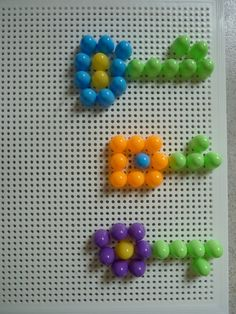 bloemen met steekparels Sensory Activities Toddlers, Bottle Cap Art, Garden Seeds, Plantation, Retro, Cactus, Spring, Frame, Flowers