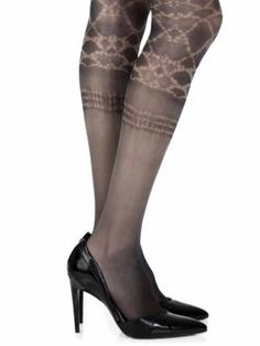 Sea World Printed fashion sheer tights. High Quality, one-size skin color patterned tights for Women with all over print pattern. These fashion tights are both stylish and comfy, and can be worn at a variety of occasions. Sheer Tights, Opaque Tights, Black Tights, Patterned Tights, Fashion Tights, Unique Fashion, Fashion Ideas, Little Fashion, Tight Leggings
