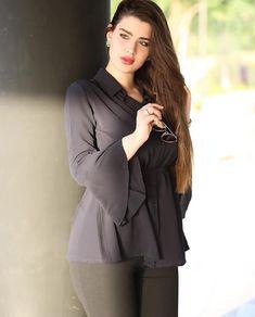 Image may contain: 1 person Cute Beauty, Beauty Full Girl, Beauty Women, Beautiful Girl Indian, Beautiful Girl Image, Thick Girl Fashion, Iranian Women Fashion, Stylish Girls Photos, Indian Beauty Saree