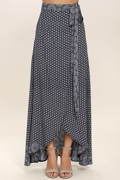 Keep things easy breezy and carefree with the Lighthearted Navy Blue Print Wrap Maxi Skirt! A navy blue and ivory floral-meets-paisley print travels across lightweight woven fabric as it falls from a tying waist into a breezy wrap skirt. Maxi Skirt Style, Skirt Outfits, Dress Skirt, Ruffle Skirt, Printed Maxi Skirts, Print Wrap, Home Fashion, Designer Dresses, Fashion Dresses