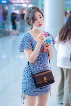 Kpop Girl Groups, Korean Girl Groups, Kpop Girls, Sinb Gfriend, Gfriend Sowon, Fashion Tag, Daily Fashion, Kpop Fashion, High Fashion