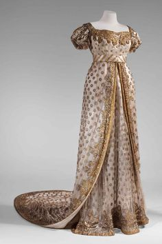 Court Dress, worn by wife of Maréchal Davout, the Princess d'Eckmühl, on the second marriage of Napoleon, 1810