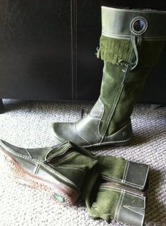 Fairy boots :) If I had these boots I'd work in the yard a lot more!:)