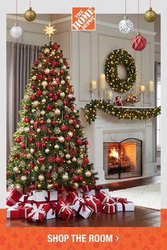 Home Depot Christmas Decorations, Christmas Staircase Decor, Christmas Fireplace, Christmas Tree Themes, Christmas Centerpieces, Holiday Decor, Xmas Tree, Red And Gold Christmas Tree, Elegant Christmas Trees