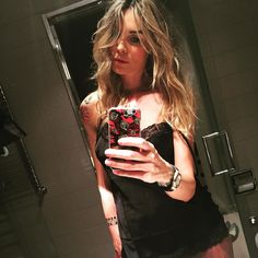 #ElenoireCasalegno Elenoire Casalegno: Quasi pronta. Buongiorno! #elenoire #casalegno #work #verona #me #love #girlswithtattoos #instapic #instlife #instacool #instagood #instagram #instadaily