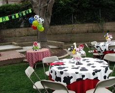 Our Semi-Homemade Life: Luke's Semi-Homemade Birthday Party - Down on the Farm!- Tablecloths