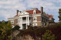 Rockcliffe Mansion in Hannibal, Missouri | B&B Rental