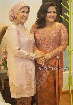 51 Ideas Wedding Bridesmaids Orange Brides For 2019 Kebaya Modern Hijab, Dress Brokat Modern, Model Kebaya Modern, Kebaya Hijab, Kebaya Brokat, Kebaya Muslim, Vera Kebaya, Kebaya Lace, Batik Kebaya