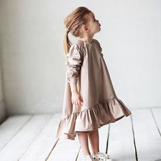 33 ideas for baby dress girl outfit Little Kid Fashion, Baby Girl Fashion, Toddler Fashion, Fashion Kids, Dresses Kids Girl, Girl Outfits, Dress Girl, Cute Baby Dresses, Moda Kids