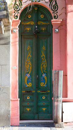 Beautiful green doors of pink building in Argentina Grand Entrance, Entrance Doors, Doorway, Door Knockers, Door Knobs, Door Handles, Cool Doors, Unique Doors, Porches
