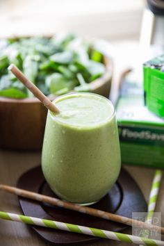 Pineapple Coconut Green Smoothie // Want a delicious way to begin your morning? This healthy smoothie has nutrition, flavor, and a taste of the tropics! Come check out this tutorial on how to make freezer smoothie packs. Never rush out of the house without breakfast again! | Tried and Tasty