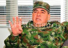 """""""Hay que seguir con la ofensiva para poder llegar a la paz"""", afirmó el general Leonardo Alfonso Barrero, nuevo comandante de las Fuerzas Militares. El oficial, quien conoce bien el Suroccidente de Colombia, aseguró que sus tropas van a """"arreciar"""" en la lucha contra las Farc. Entrevista: http://www.elpais.com.co/elpais/judicial/noticias/hay-seguir-con-ofensiva-para-poder-llegar-paz-general-barrero"""