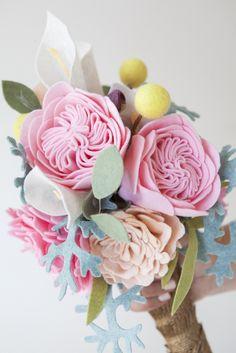 DIY - How to make a felt wedding bouquet!