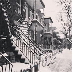 Paysage hivernal de #Villeray - #escaliers de #Montreal #latergram #twt