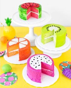 Use store bought frosting and cake mix to give new meaning to the term fruit cake with these DIY fruit slice cakes! Fancy Cakes, Mini Cakes, Cupcake Cakes, Dessert Party, Fruit Party, Party Desserts, Desserts Diy, Awesome Desserts, Cake Party