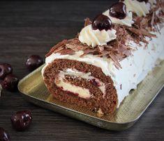 Rustikk Mat: Black Forest rullekake Black Forest, Cake, Ethnic Recipes, Desserts, Food, Tailgate Desserts, Deserts, Food Cakes, Eten
