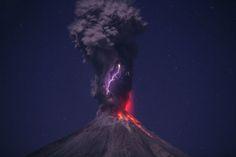 Las erupciones volcánicas, laboratorios químicos #rocecillosonfire