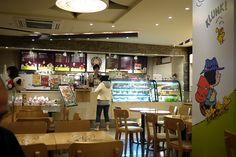 Charlie Brown Cafe (Seoul, South Korea) Charlie Brown Cafe, Modern Disney, South Korea, Seoul, Cafes, Korea