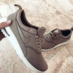 Casual Fall / Winter Look - Fall / Winter Must Haves Collection. Sneakers Nike, Shoes, Fashion, Nike Tennis, Moda, Zapatos, Nike Basketball Shoes, Shoes Outlet, Shoe