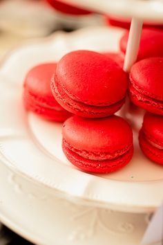 Red macaroons for snoopy theme