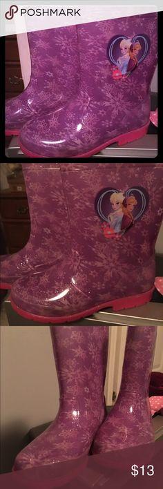 ❄️Super cute Frozen rain boots worn once size 1 👑 ❄️Super cute Frozen rain boots worn once size 1 👑. She will love these. Disney's Frozen Anna & Elsa rain boots. Disney Frozen  Shoes Rain & Snow Boots