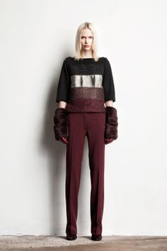Veronique Branquinho Pre-Fall 2014 - furry gloves/arm warmers! #fashion #trends #cute