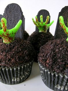 Zombie cupcakes - yes