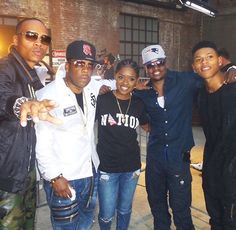This was right before we stepped into that #BET #HipHopAwards #Cipher • Shouts to @brezofficial and @yazzthegreatest • What up  @617mikebiv @mrrickybell #BBDinFullEffect #NE4LIFE #TheNewEditionStory ---> Jan 24, 25 & 26 2017.