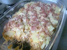 A Batata de Forno com Frango é um prato único completo e delicioso para você servir aos seus amigos e familiares. Experimente. Todos vão adorar! Veja També