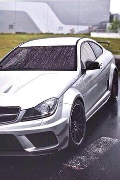 RT if you want a Benz!