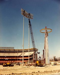 In 1966 the Angels Landed in Anaheim's Futuristic Baseball Stadium Baseball Park, Baseball Pitching, Baseball Mom, Angel Stadium, Mlb Stadiums, Sports Stadium, Dodger Stadium, Anaheim California, Southern California