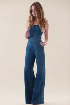 What to wear with jeans jumpsuit best outfits - Fashion Trends 2019 Backless Jumpsuit, Denim Jumpsuit, Bodycon Jumpsuit, Denim Overalls, Jumpsuit Outfit, Dungarees, Denim Jeans, Overalls Vintage, 70s Fashion