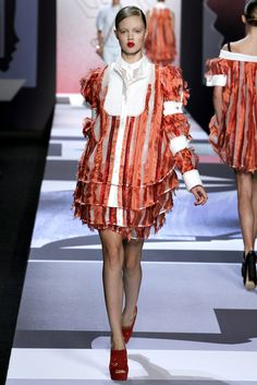 Viktor & Rolf | Spring/Summer 2011 Ready-to-Wear Collection via Viktor Horsting & Rolf Snoeren | Modeled by Lindsey Wixson | October 1, 2010; Paris