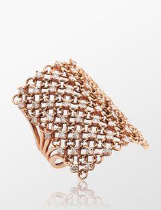 Diamond Jewelry, Gold Jewelry, Jewelry Rings, Jewelery, Gemstone Jewelry, Gold Finger Rings, Gold Rings, Pearl Ring, Jewelry Patterns