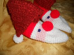 Christmas Gift SANTA Slippers Home Booties Home by YarninkaCrafts, $24.00
