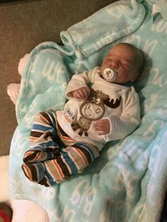 Baby Dolls For Sale, Life Like Baby Dolls, Real Baby Dolls, Realistic Baby Dolls, Boy Baby Doll, Reborn Baby Boy Dolls, Newborn Baby Dolls, Baby Girl Romper, Bb Reborn