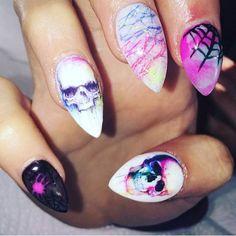 Charlies Nail Art - Skull nail art wraps, £0.89 (http://www.charliesnailart.co.uk/skull-nail-art-wraps/)