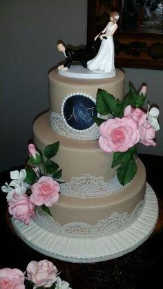 Vintage wedding cake by Lorna Colls