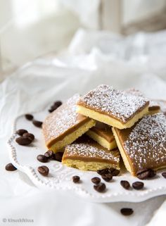 Find images and videos about delicious on We Heart It - the app to get lost in what you love. Sweet Pastries, Cake Bars, Sweet Life, French Toast, Deserts, Food And Drink, Sweets, Sugar, Snacks