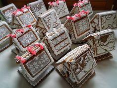 14 gingerbread houses in Eastern European style by Dalla Via Jana, posted at Cookie Connection.  Gorgeous craftsmanship.
