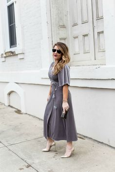 Holiday outfit idea - this velvet maxi dress is perfect for the holidays and so flattering! Click through for more on this look and the easiest way to prevent thigh rub!